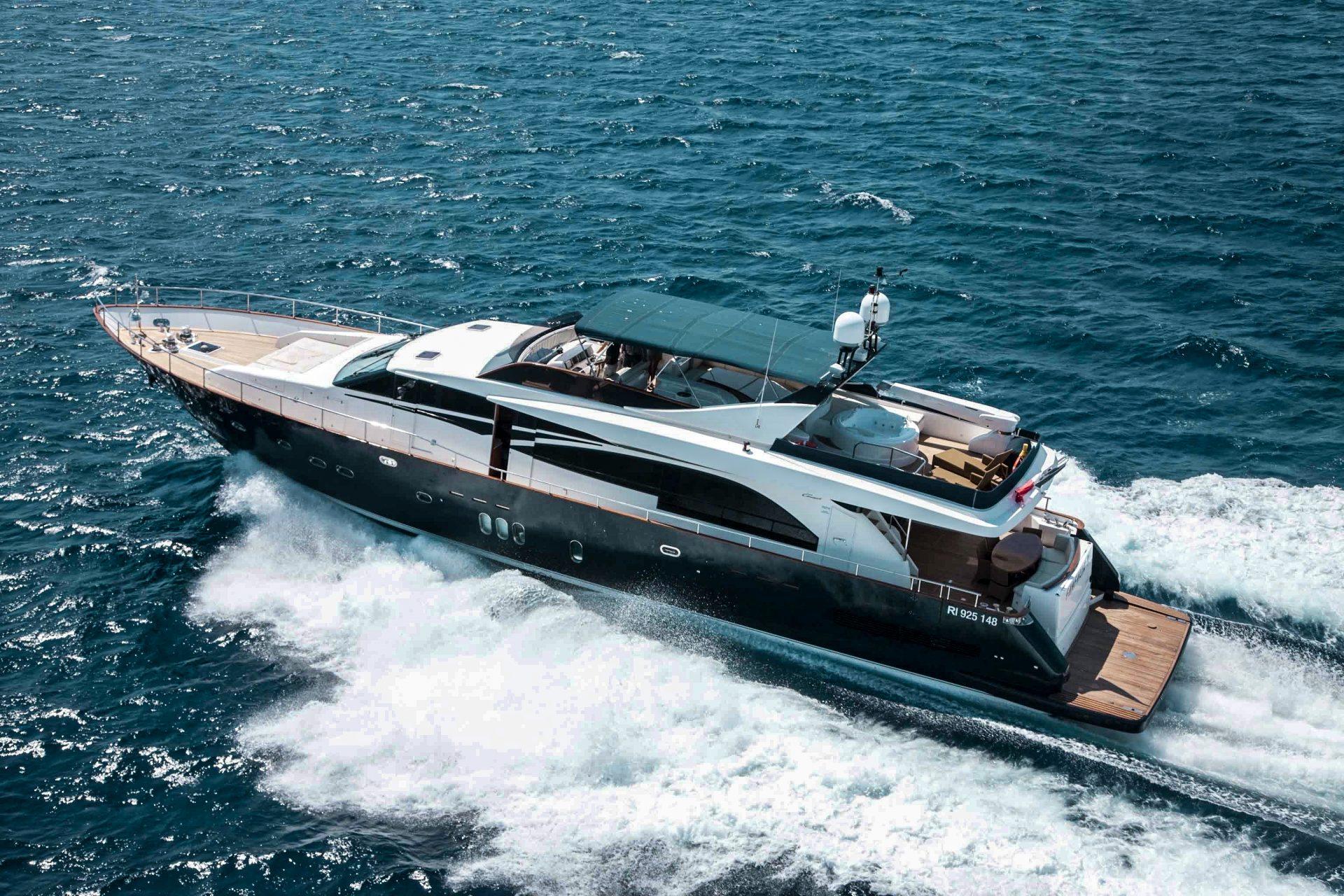 Yacht Lady Amanda